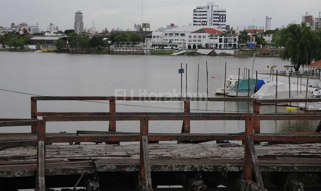 Una bala cruz� la laguna Set�bal, e hiri� de muerte a Serena Mart�nez, la tarde del 29 de noviembre de 2013. Foto:Archivo El Litoral / Luis Cetraro