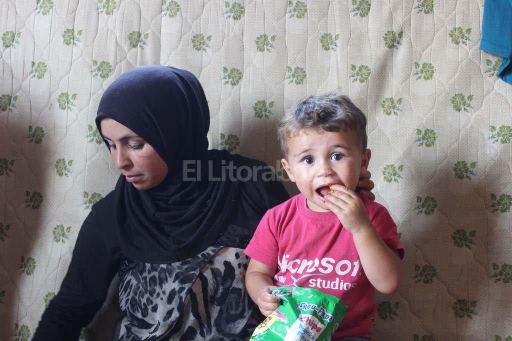 Fotograf�a tomada a Wafaa, una mujer siria de 19 a�os que fue forzada a casarse a los 16 a�os cuando sus padres temieron no poder protegerla de grupos armados. Su marido muri� nada m�s casarse y qued� viuda y embarazada. Foto:DPA
