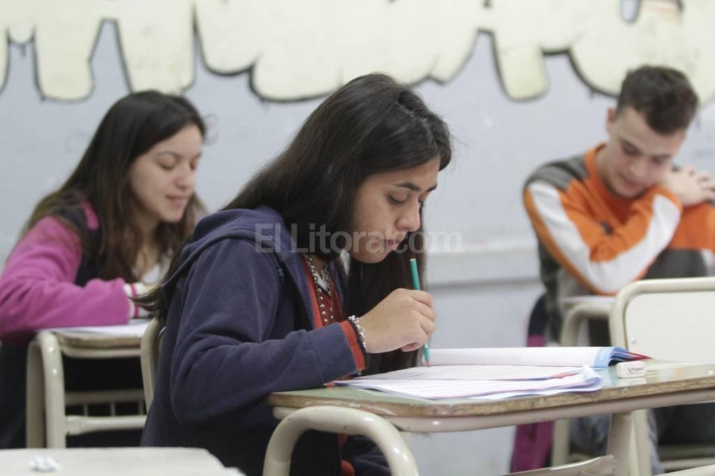 """Faltazo. Al Simón de Iriondo """"vino sólo entre el 30 y 40 % de los estudiantes que debía rendir"""", admitió el director. Mauricio Garín"""