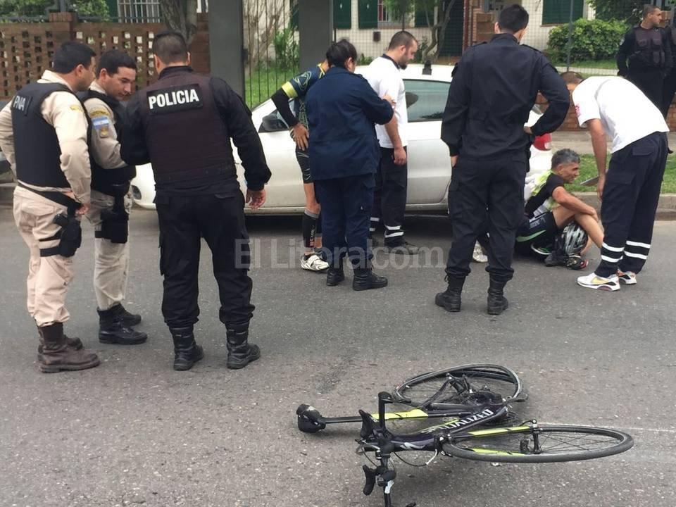 El ciclista embestido no resultó con lesiones de gravedad.  El Litoral
