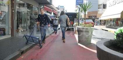Comerciantes de calle Mendoza plantean dificultades por la semipeatonalizaci�n