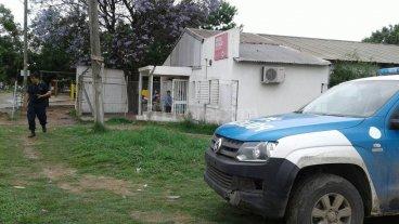 Destrozos y robos en el Centro de Salud Yapey�