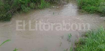 """Abrieron un """"by pass"""" para acelerar el escurrimiento de las aguas en Tostado"""