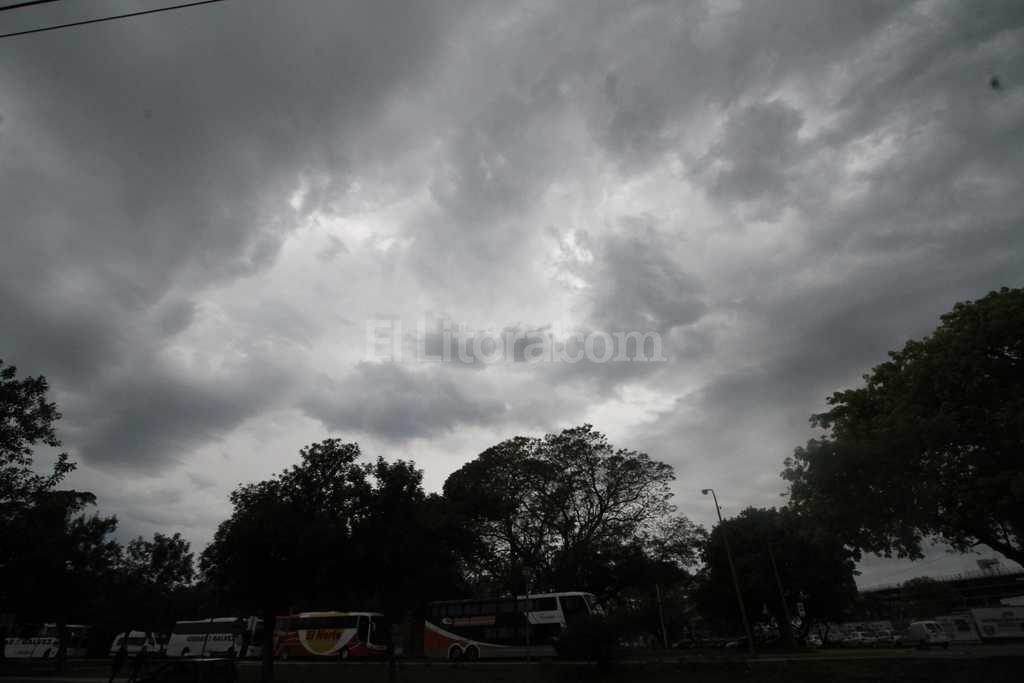 Alerta por lluvias y tormentas en casi todo el país