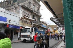 Desalojaron la casona de calle Mendoza al 2700