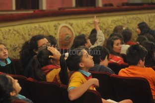 """""""Romance de los Siete Jefes"""" se present� ante escuelas"""