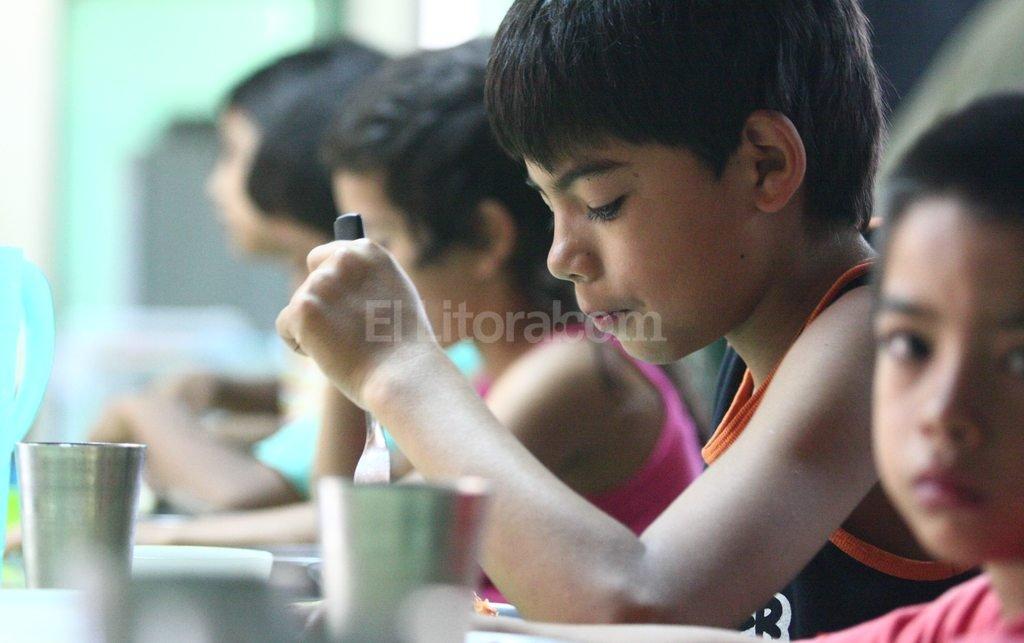 Plato fuerte. Los guisos suelen ser los platos más frecuentes en los comedores estatales.  Mauricio Garín / Archivo El Litoral