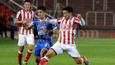 Acevedo se resintió del desgarro y jugará Martín Rivero -