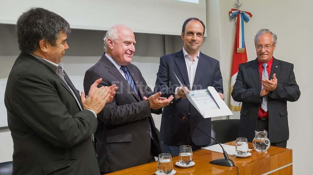 La provincia aportó $ 5.5 millones para la construcción del planetario  -  -