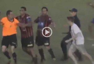 Video: tremenda agresión a un árbitro en el ascenso