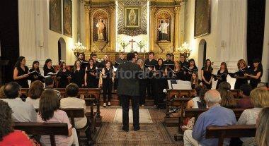 Coros de la Católica harán un Festival Navideño