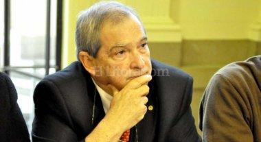 """El ministro de Salud admite que el país vive una """"crisis sanitaria"""""""