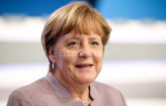Merkel endurece su política de refugiados de cara a las elecciones