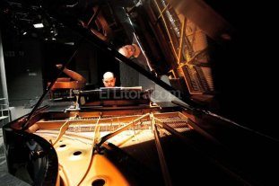 Concierto de piano preparado con Aparicio Alfaro