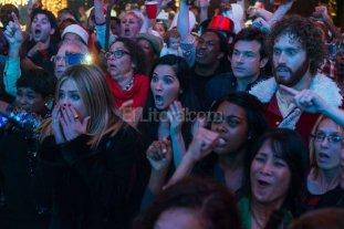 Comedia, suspenso y drama - El gerente de una sucursal decide organizar una fiesta navideña épica para conseguir a un nuevo cliente y evitar el cierre (Aniston, Munn, Bateman y T.J. Miller en la foto).