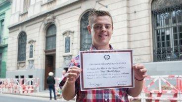 Alumnos con discapacidad recibirán el mismo título secundario que los demás