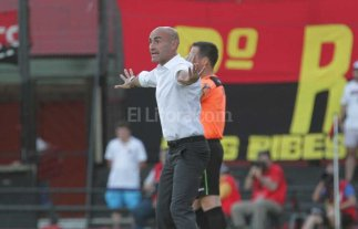 Por las lluvias, Paolo Montero no pudo llegar al entrenamiento de Rosario Central