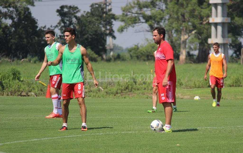 Juan Pablo Pumpido comanda la primera práctica de pretemporada tatengue <strong>Foto:</strong> Prensa Club Atlético Unión