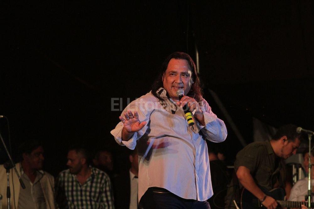"""Ya es un clásico en el escenario Horacio Guarany del Festival del Pescador: Galleguillo con su estilo de """"decidor"""" y canciones como """"Belén en los carnavales"""" y """"Niñachay"""". Manuel Fabatía"""
