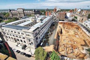 Por primera vez se pudo excavar un pozo de basura de fines del siglo XVII  - Panorámica de la obra de Tribunales. Con círculos rojos se marcan los sitios en que fueron hallados los pozos. -