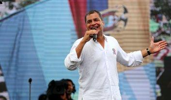 Ecuador: Correa festeja sus diez años de gestión