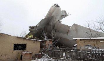 Se estrelló un avión en Kirguistán: 37 muertos