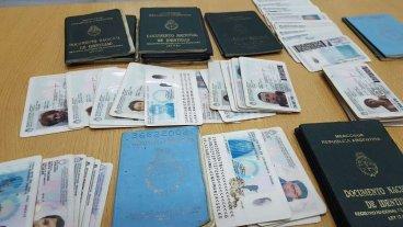 La oficina de objetos perdidos apenas pudo devolver 6 documentos en 2016