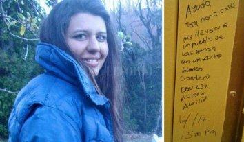 Investigan mensajes que habría escrito María Cash en estaciones de servicio