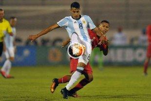Argentina rescató un empate sobre la hora ante Perú