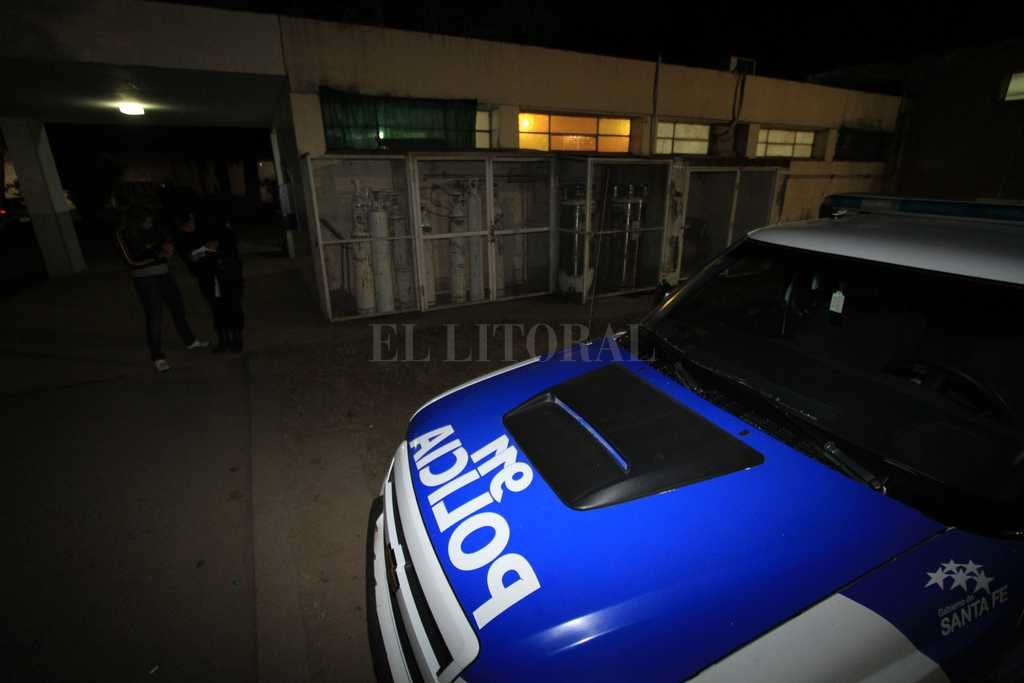 Intentaron usurpar una casa y terminaron detenidos - Una mujer y su hija fueron atendidas en el hospital Mira y López -