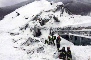 Encontraron 6 sobrevivientes en el hotel sepultado de Italia