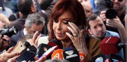 Piden que se investigue si CFK promovió falsas denuncias contra Stiuso