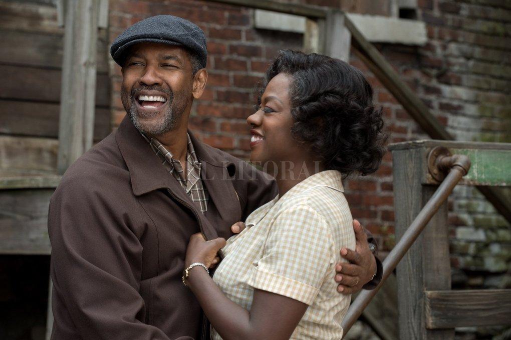 """Denzel Washington y Viola Davis protagonizan """"Fences"""", que cosechó cuatro nominaciones, incluyendo Mejor Película. Paramount Pictures"""