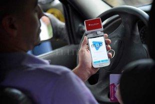 En Rosario ya se puede pagar un taxi con tarjeta de débito