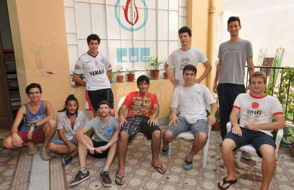 En la actualidad, son 65 los jóvenes que viven en la COE. Además, hay una lista de espera por un lugar para alojarse. Luis Cetraro