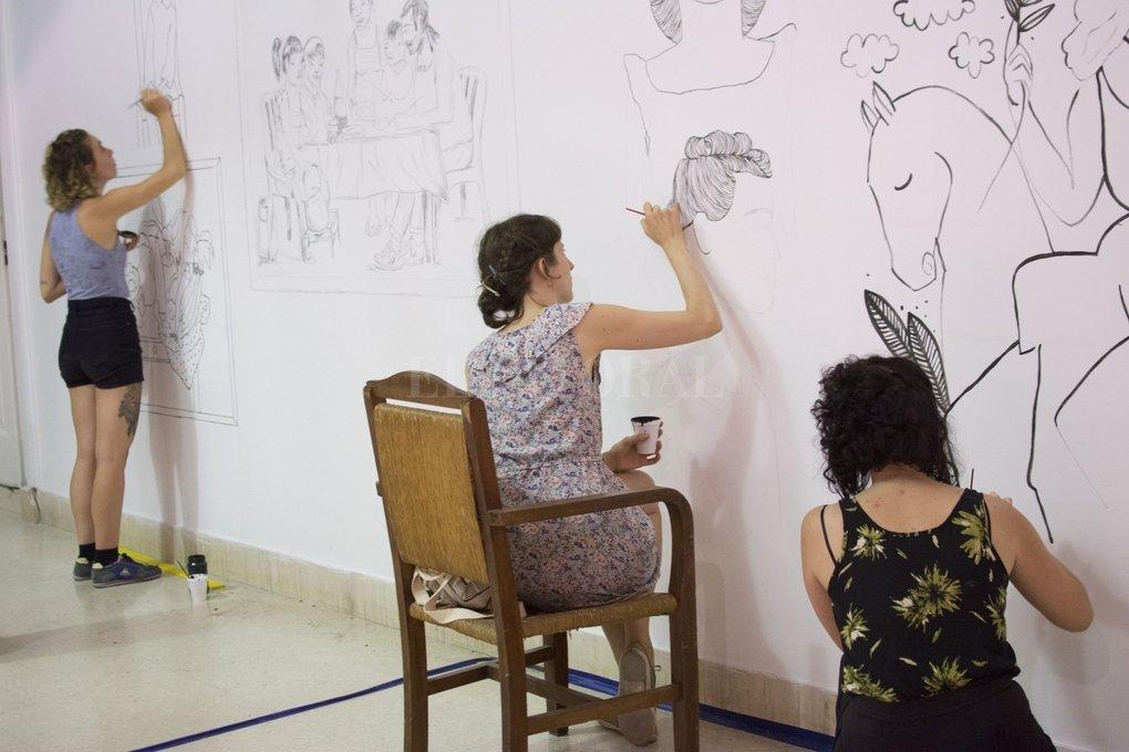 Las artistas visuales Virginia Abrigo, Julia Jurado, Virginia Martí (en la foto) y Malcon D'Stéfano invitan a participar de una jornada abierta de dibujo en el museo. <strong>Foto:</strong> Gentileza Producción