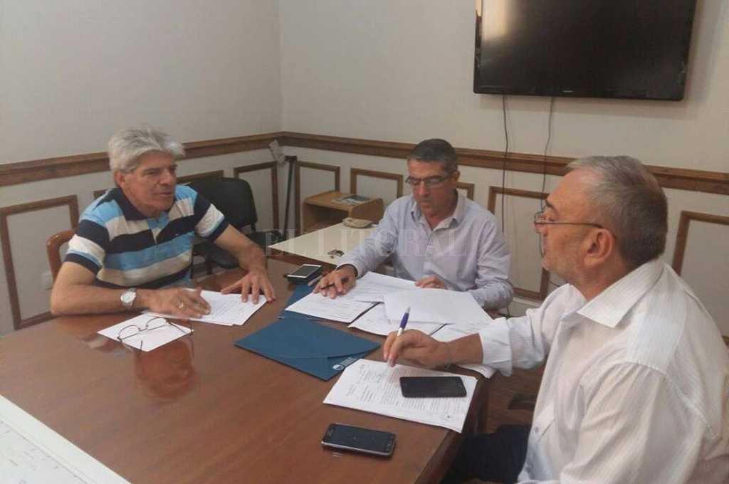 Los senadores Armando Traferri y Alcides Calvo convocaron a los ministros a una reunión el jueves para tratar el proyecto de ley de ayuda a los sectores damnificados. Crédito: Gentileza prensa Senadores