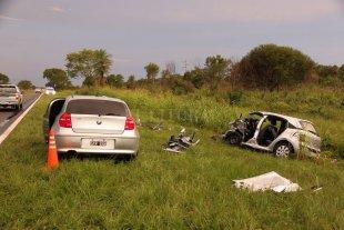 Cinco integrantes de una familia murieron en un choque frontal