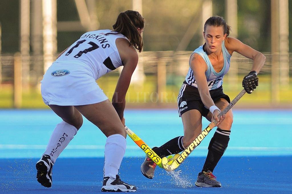 La goleadora Carla Rebecchi se despidió del seleccionado argentino de hockey sobre césped femenino.  Télam