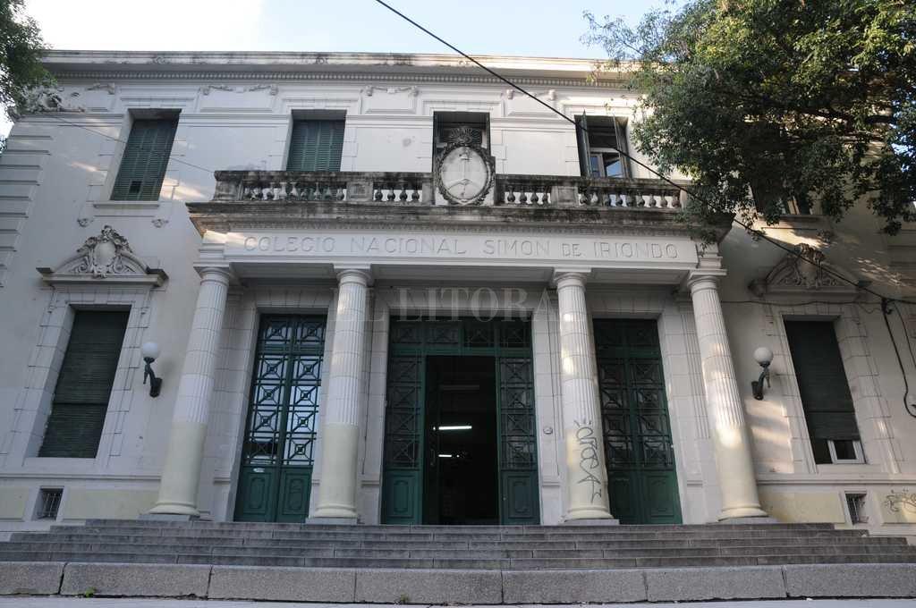 Esta mañana personal del Colegio Nacional Simón de Iriondo se encontró con las instalaciones violentadas. <strong>Foto:</strong> Archivo El Litoral