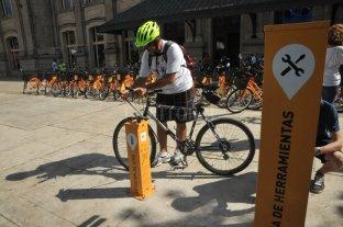 Suman 90 bicicletas y 10 estaciones con herramientas de uso gratuito