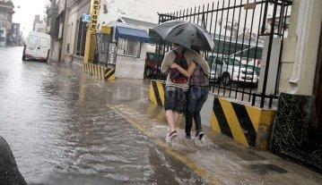 Se mantiene vigente un alerta por lluvias y tormentas intensas -  -
