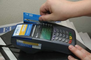 Se extiende la obligación de aceptar tarjetas de débito