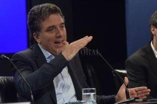 """Dujovne: Con el dólar actual """"la economía puede trabajar adecuadamente"""""""