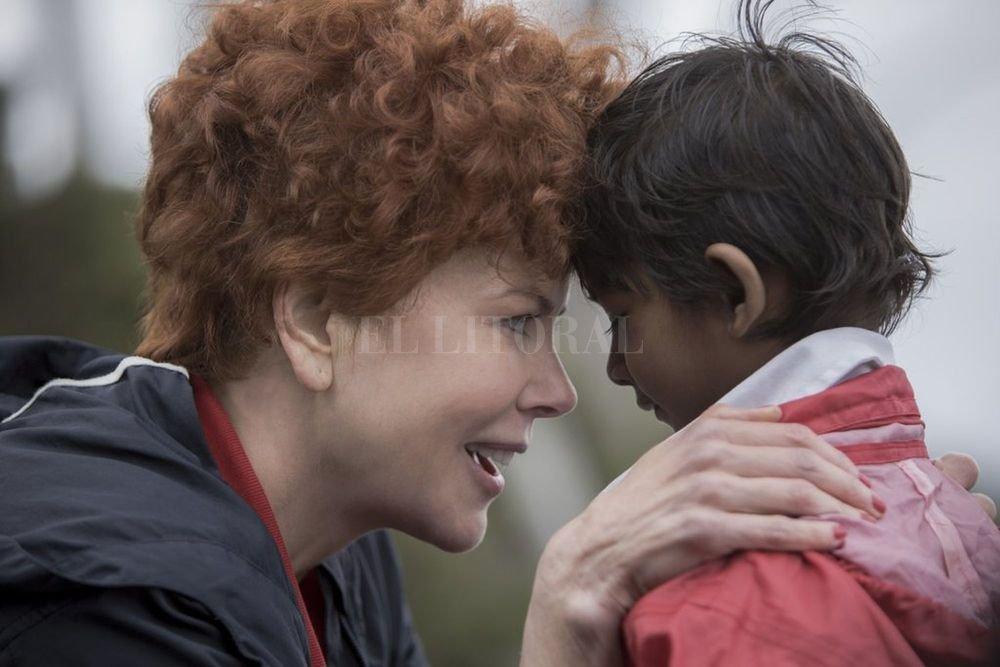 Sue Brierley (Nicole Kidman) en su primer encuentro con el atribulado Saroo (Sunny Pawar).  Gentileza Transmission Films