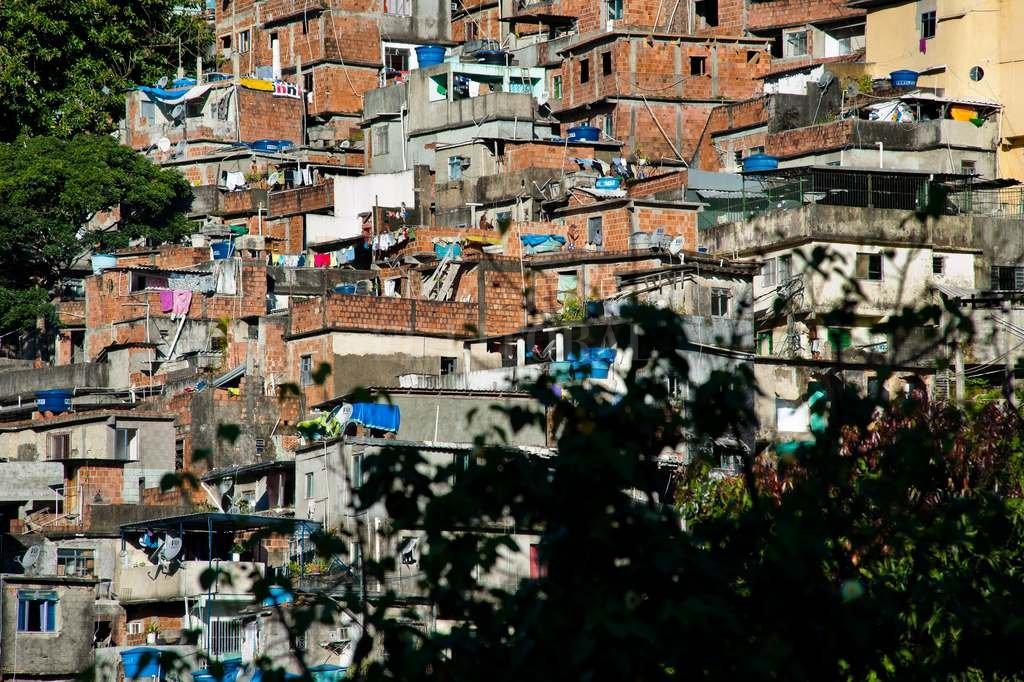 Narcos brasileños balearon a una turista santafesina -  -