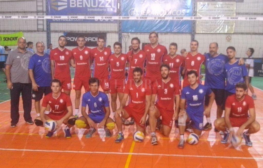 El equipo de Club Rosario vencedor esta noche. Crédito: Luis Gudiño