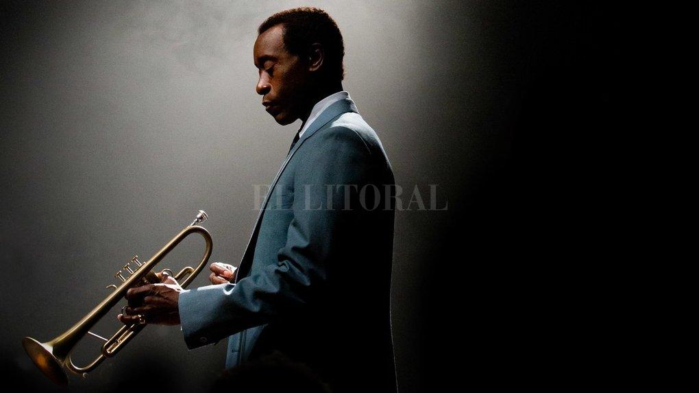 """En """"Miles Ahead"""" (Estados Unidos, 2016), Don Cheadle explora el momento de máxima crisis del compositor y trompetista Miles Davis. Gentileza Producción"""