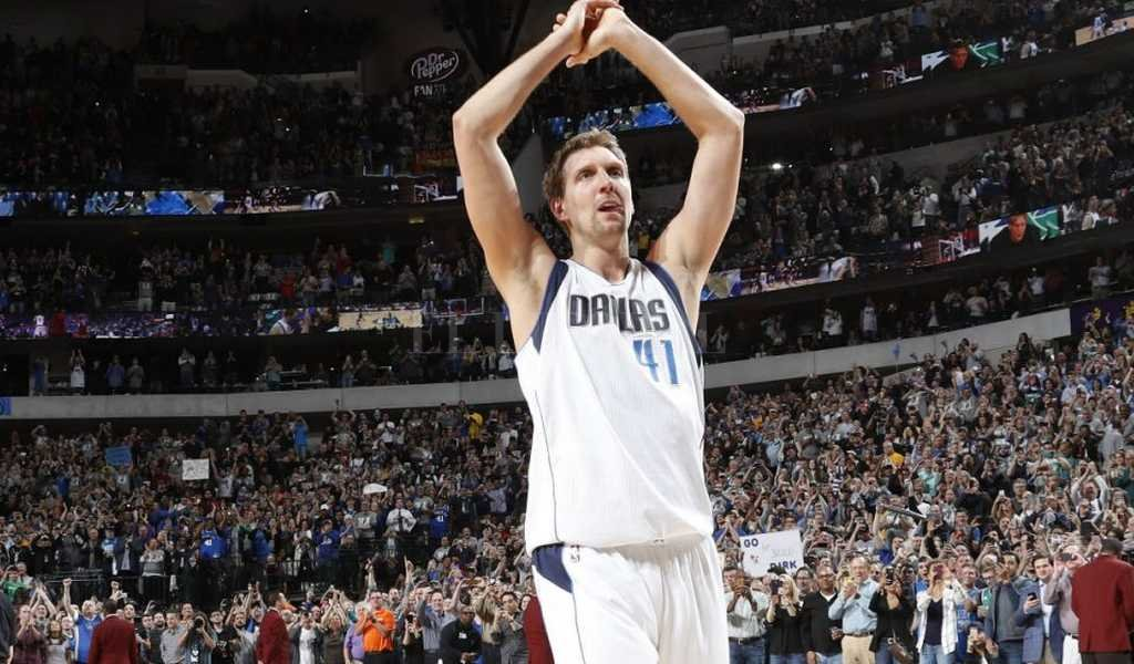Dirk Nowitzki alcanzó los 30.000 puntos en la NBA