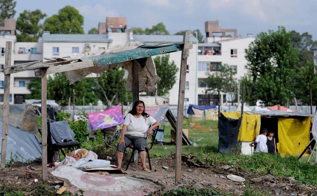 La pobreza afecta a 13 millones de argentinos